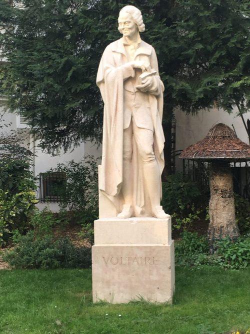 Statue de Voltaire, Paris, Institut, avril 2019