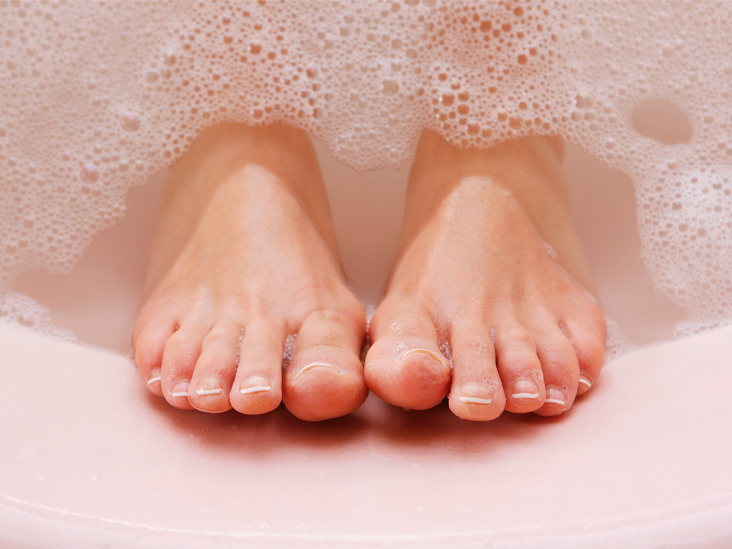 Turmeric for dry skin and cracked heels