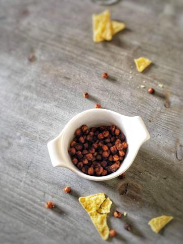 Borrelnootjes van kikkererwten, kikkererwten noten, kikkererwten nootjes, recept kikkererwten nootjes, noten van kikkererwten, geroosterde kikkererwten, spicy geroosterde kikkererwten