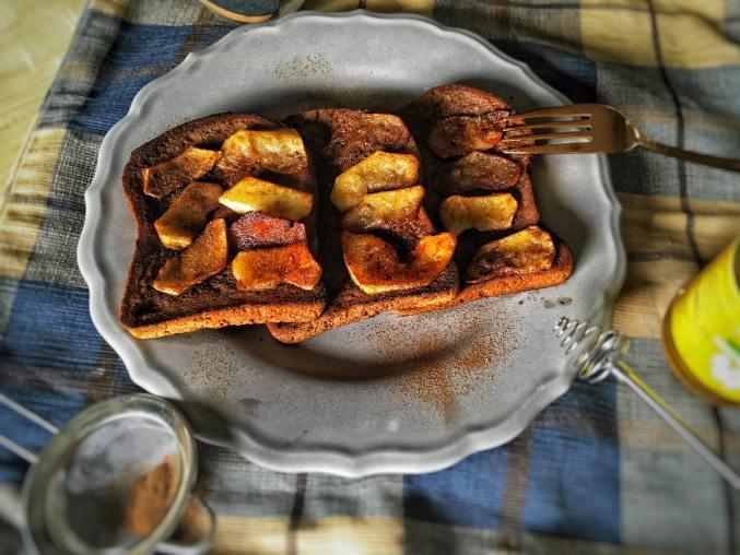Glutenvrije wentelteefjes met gebakken appel, Wentelteefjes 1 persoon, Wentelteefjes ontbijt, Recept voor wentelteefjes, Wentelteefjes gezond, Wentelteefjes glutenvrij, Glutenvrije wentelteefjes, Zelf glutenvrije wentelteefjes maken, Gezonde wentelteefjes met appel, Wentelteefjes met gebakken appel, Wentelteefjes appel, Wentelteefjes kaneel, organic happiness, biologisch, biologische foodblog