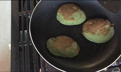 Christmas pancakes, Christmas pancakes recipe, Christmas pancakes ideas, Christmas themed pancakes, Best Christmas pancakes, Pancakes, Breakfast pancakes, Banana pancakes, Organic Happiness, Organic, Organic foodblog