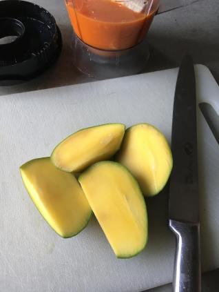 Mango wortel smoothie, Wortel mango smoothie, Smoothie wortel mango, Mango smoothie, Mango smoothie recept, Mango smoothie gezond, Mango banaan smoothie, Banaan mango smoothie, Mango smoothie zonder yoghurt, Smoothie mango kiwi, Wortel banaan smoothie, organic happiness, biologisch, biologische foodblog