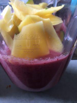 Cranberry smoothie met mango, Smoothie cranberry mango, Cranberry peer smoothie, Cranberry smoothie, Cranberry smoothie maken, Cranberry smoothie recept, Cranberry smoothie met peer, Organic Happiness, Biologisch, Biologische foodblog