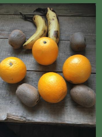 Banaan smoothie met kiwi, Smoothie banaan kiwi, Banaan-kiwi smoothie, Smoothie van banaan en kiwi, Smoothie sinaasappel banaan kiwi, Banaan kiwi smoothie zonder melk, Smoothie van banaan en sinaasappel, Sinaasappel-banaansmoothie, Banaan smoothie, Banaan smoothie recepten, Banaan smoothie gezond, Bananen smoothie zonder yoghurt, Smoothie banaan sinaasappel, Organic Happiness, Biologisch, Biologische Foodblog