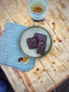 Fudge met koffie, Chocolade fudge met koffie, Espresso fudge, Fudge espresso, Fudge koffie recept, Koffie fudge , Koffie fudge maken, Koffie fudge recept, Fudge bars met chocolade en koffie, Fudge van koffie, Espresso chocofudge, Gezonde chocoladesnack, Healthy chocoladefudge, Suikervrije fudge zelf maken, Gezonde fudge, Gezonde fudge maken, Fudge maken zonder suiker, Fudge van notenpasta, Lekkerste fudge, Beste fudge, Fudge recept, Fudge ingrediënten, Fudge opstijven, Chocolade fudge, Fudge maken, Fudge maken makkelijk, Zelf fudge maken, Choco fudge, Zelfgemaakte fudge, Chocolade fudge met noten, Chocolade fudge gezond, Fudge recept gezond, Organic Happiness, Biologisch, Biologische Foodblog