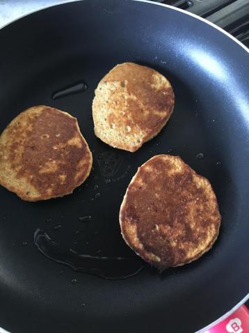 Pumpkin Pancakes, Pumpkin Pancakes Healthy, Pumpkin Pancakes Recipe, Pumpkin Pancakes Gluten Free, Pumpkin Pancakes Easy, Fluffy Pumpkin Pancakes, Healthy Pumpkin Pancakes, Pumpkin Spice Pancakes, Spiced Pumpkin Pancakes Recipe, Spicy Pumpkin Pancakes, Organic Happiness, Organic, Organic Food Blog