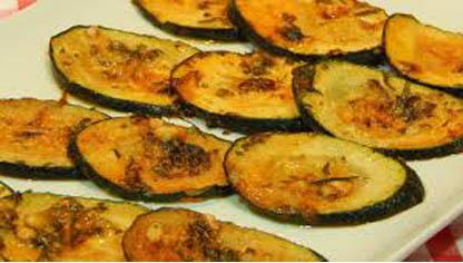 Zucchinis con ajo y orégano.