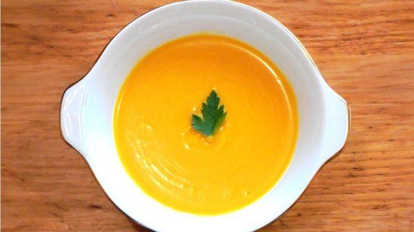 Receta de crema fria de zapallo, naranja y jenjibre