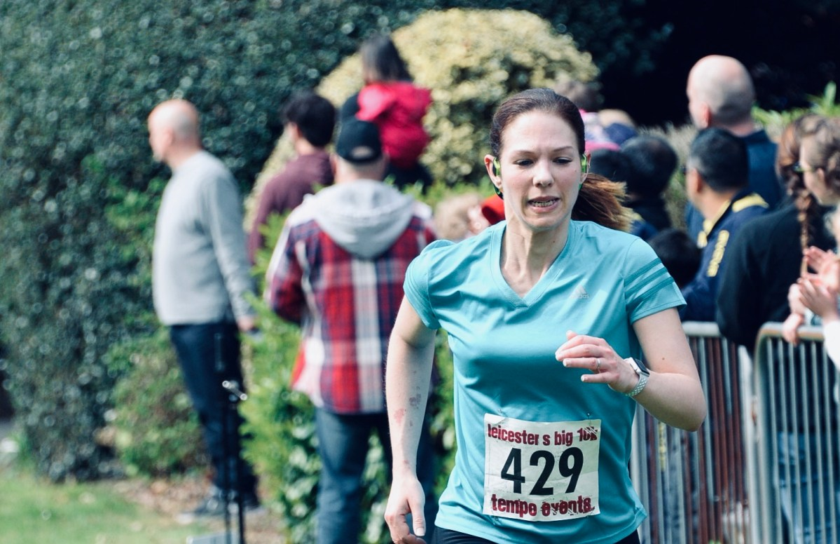 Laura Williams running Leicestershire 10K 2018