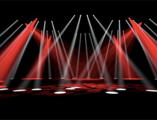 scène avec des spots lumières