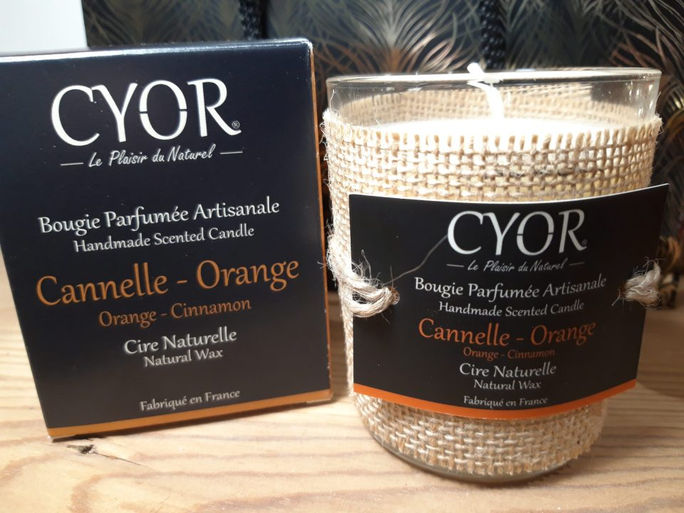 Bougie naturelle parfumée Cyor