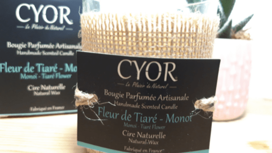 La bougie Cyor Fleur de Tiaré Monoï