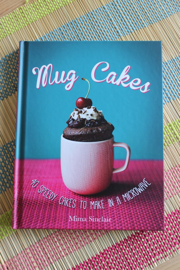 Mug cakes in a microwave
