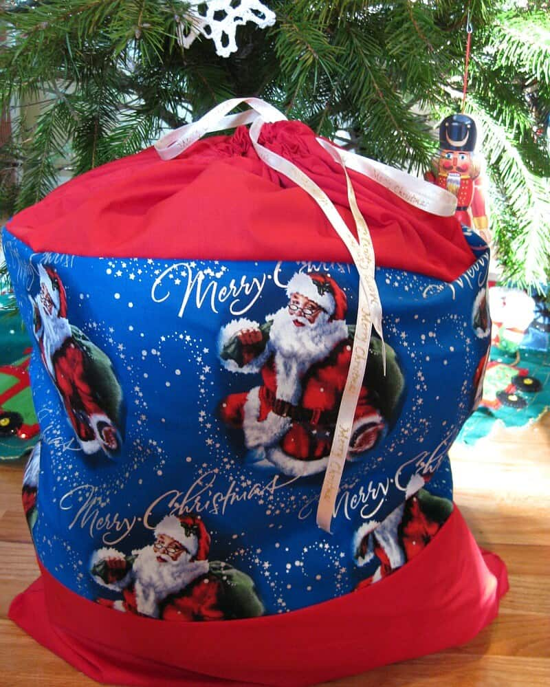 DIY Santa Sack for Christmas - Sewing Tutorial