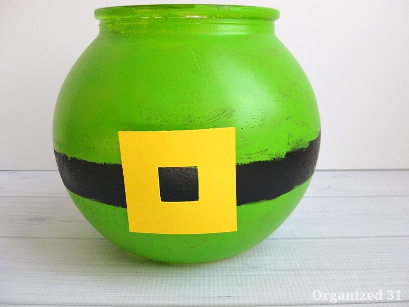St. Patrick's Day Bucket O' Gold Candy Centerpiece - Organized 31