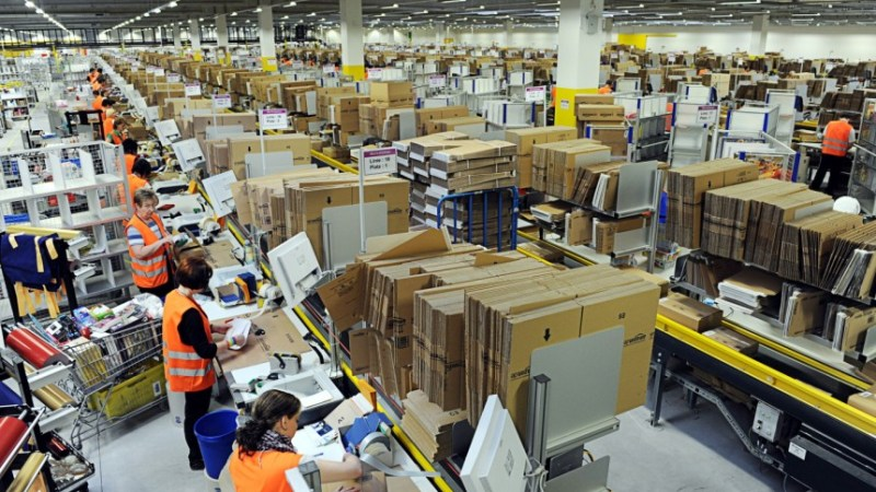 Amazon warehouse © Scott Lewis | Flickr