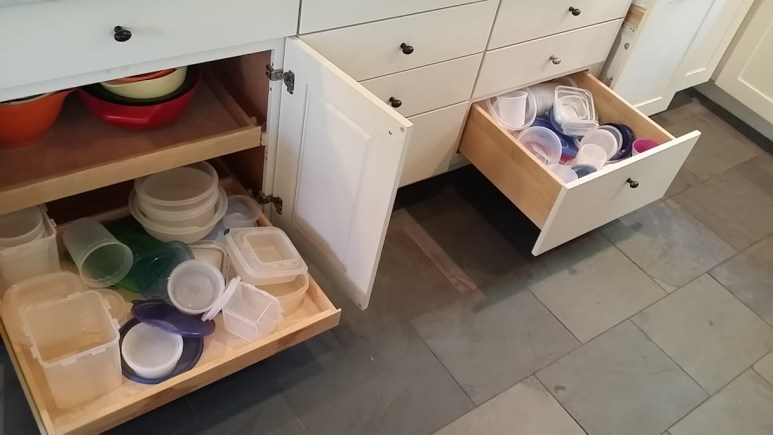 How to Organize Tupperware and Containers