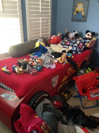 Organizedselling_kidsroomclutter