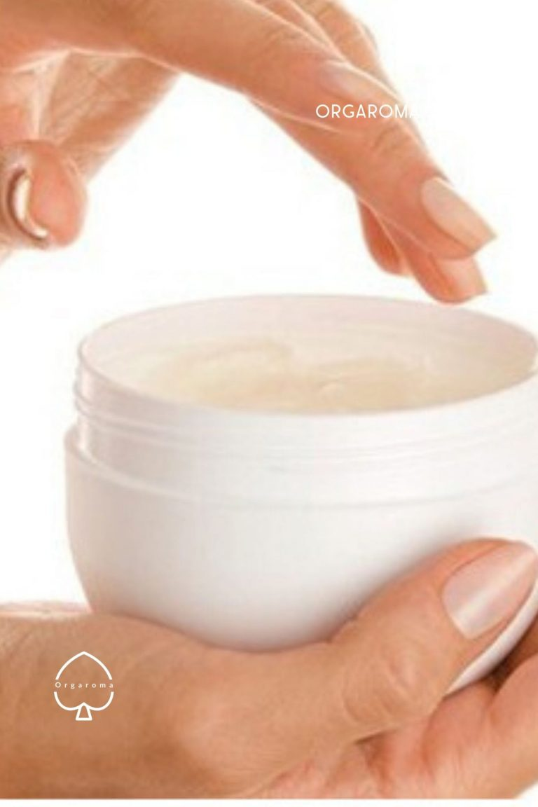 Read more about the article Mineral Oil Makeup Remover (Vaseline or Petroleum Jelly)