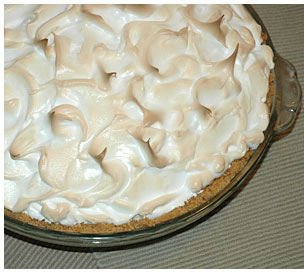 lemon meringe cheesecake pie