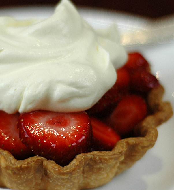 Quick and Easy Strawberry Tart