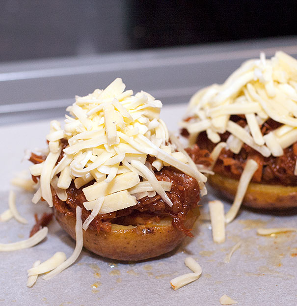 How to make a bbq stuffed baked potato
