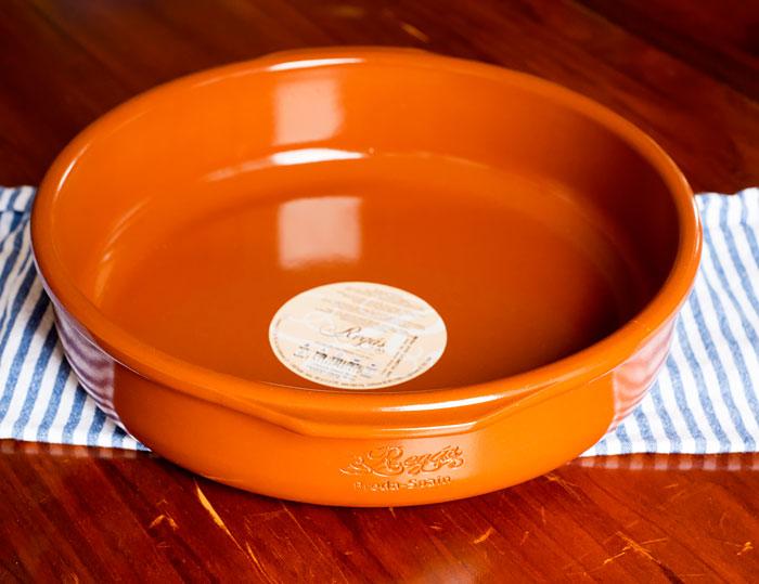 clay baking dish