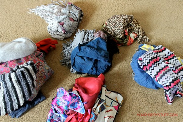 YHS_scarfdrawer_sorting