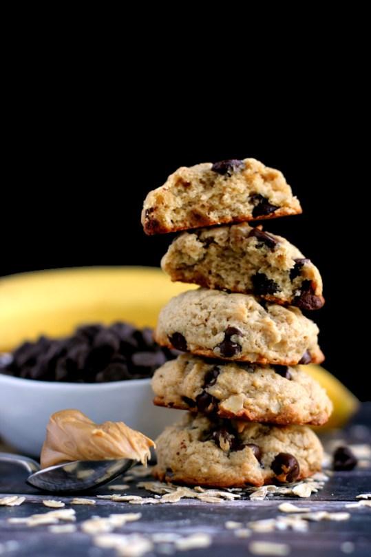 peanut butter chocolate chip banana oatmeal cookies