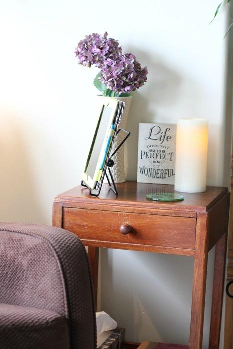 Living Room Quiet Corner Organization 1