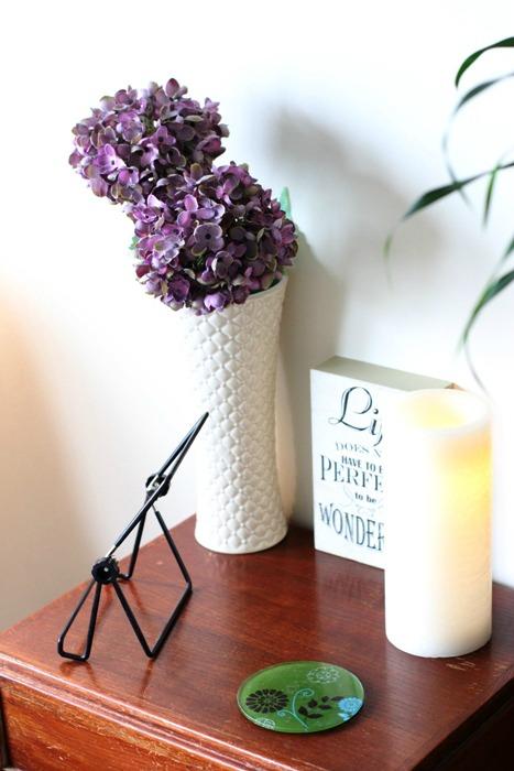 Living Room Quiet Corner Organization 4