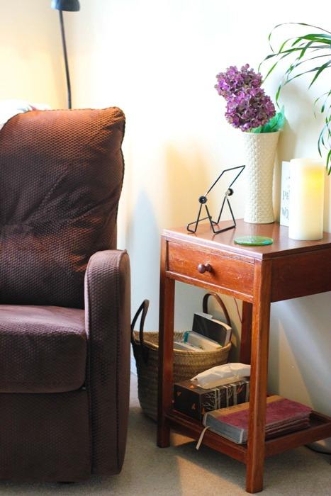 Living Room Quiet Corner Organization