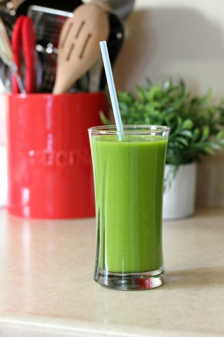 Delicious Healthy Everyday Green Smoothie