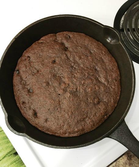 Paleo Chocolate Brownie Skillet Cake