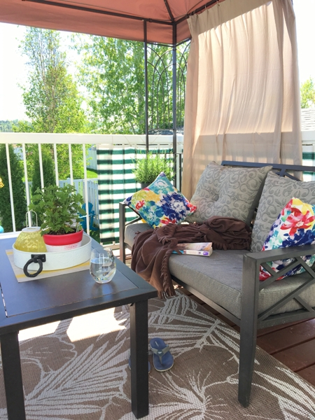 My heavenly deck oasis - private small deck