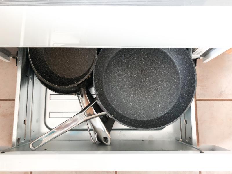under stove storage