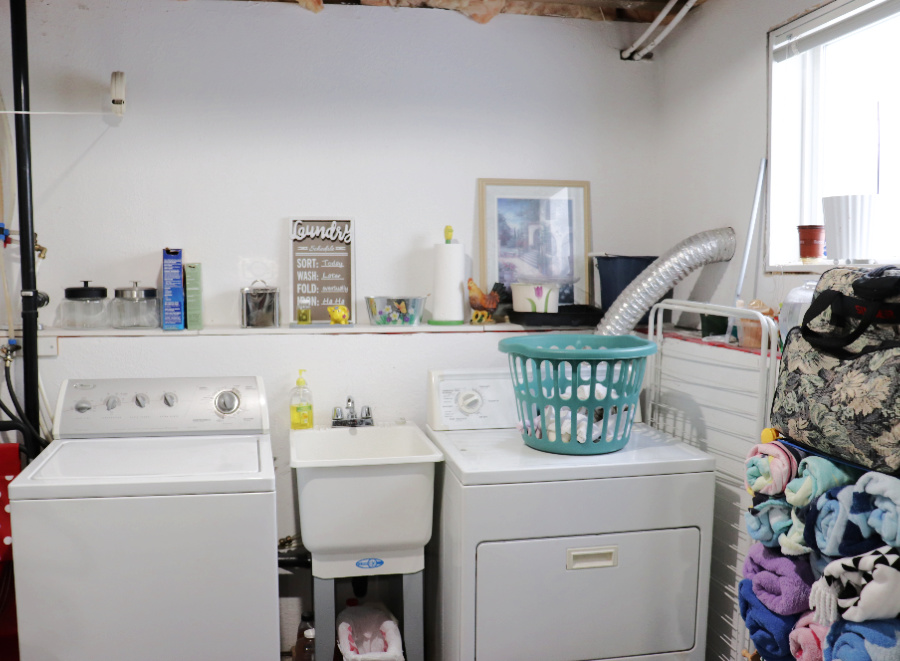 Small Organized Spaces: Inexpensive Mini Laundry Room Makeover