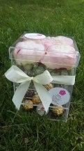 Акриловая коробка для пионов с выдвижным ящиком под конфеты