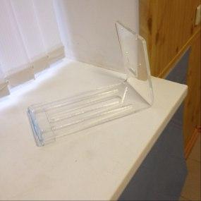 Подставка из прозрачного оргстекла