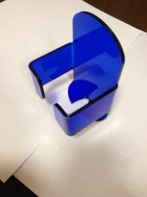 Подставка под мышку из синего акрила