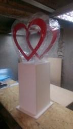 Напольный ящик для пожертвований в виде сердца