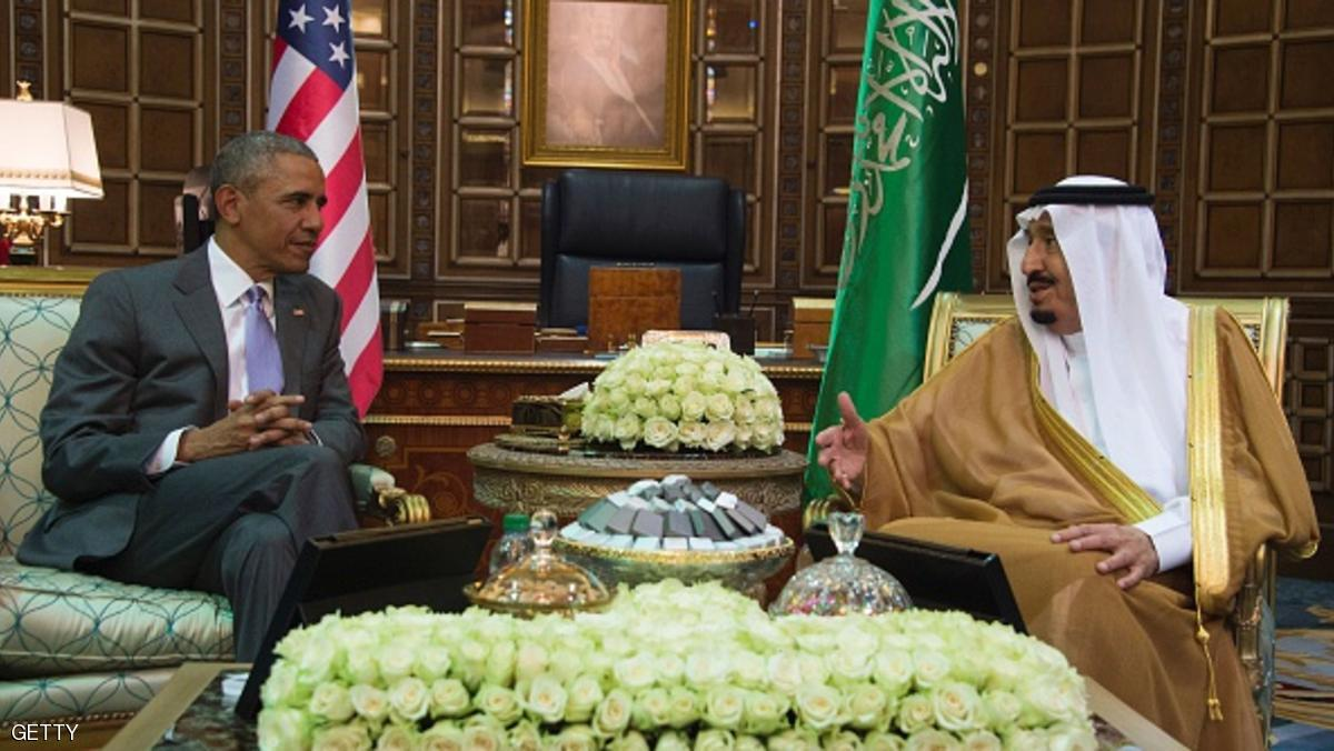 US President Barack Obama (L) speaks with King Salman bin Abdulaziz al-Saud of Saudi Arabia at Erga Palace in Riyadh, on April 20, 2016. Obama arrived in Saudi Arabia for a two-day visit hoping to ease tensions with Riyadh and intensify the fight against jihadists. / AFP / Jim Watson        (Photo credit should read JIM WATSON/AFP/Getty Images)