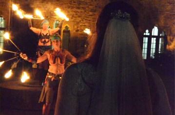 Feuershow mit Braut