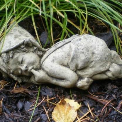 Hunsrückkobold Fritzchen schlafend