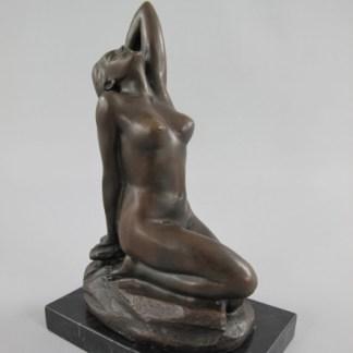 "Bronze Figur Lady auf Felsen - Bronze Figur ""Lady - auf Felsen"" 20x13x8cm"