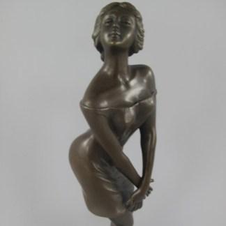 """Bronze Figur Lady jung und kokett - Bronze Figur """"Frau - jung und kokett"""" 37x13cm"""
