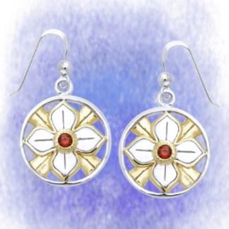 Ohrringe Blume mit Granat aus 925-Silber vergoldet