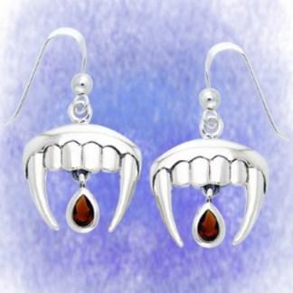 Ohrringe Vampir mit Granat aus 925-Silber