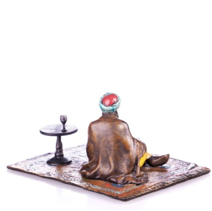 """Farbige Bronzefigur lesender Gelehrte auf Teppich3 - Farbige Bronzefigur """"Lesender Gelehrter auf Teppich"""""""