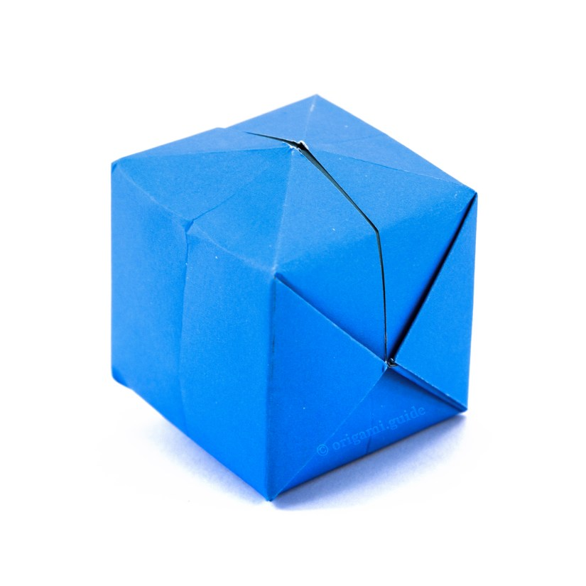How To Make An Origami Water Bomb / Balloon